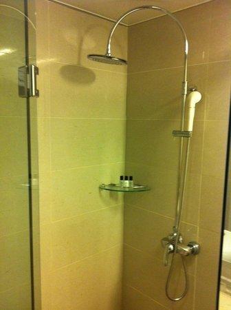 Hotel Samjung:                   シャワーブース