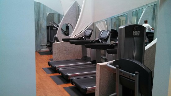 InterContinental Toronto Centre: Gym.