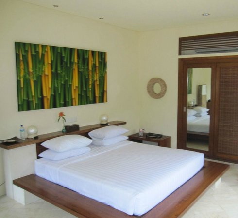 Hotel Vila Ombak:                   King Bed Akoya Pool Villas