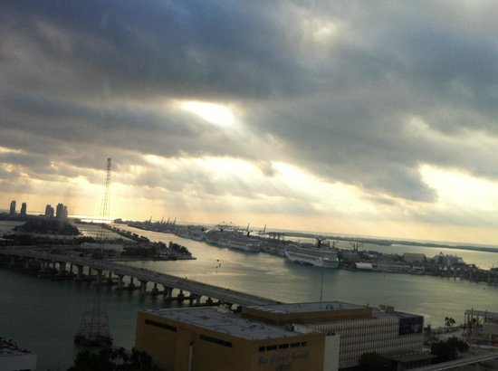 Hilton Miami Downtown:                                     View from the 21st floor