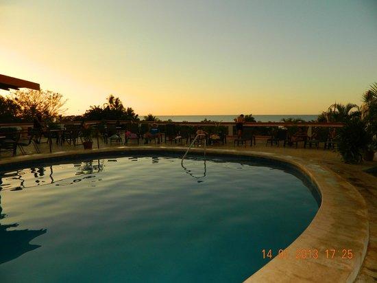 BEST WESTERN Tamarindo Vista Villas:                   desde de piscina