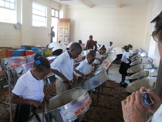 ‪جينيز بليس: Steel band school in St. Georges‬