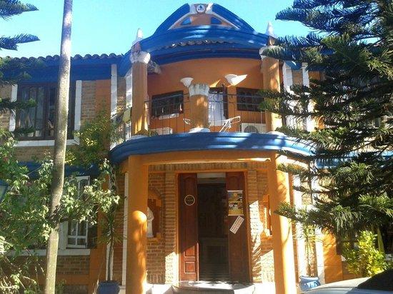 Arraial d'Ajuda Hostel:                   Fachada do hostel