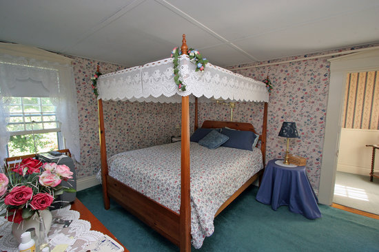 Old Red Inn & Cottages: Mount Washington Suite