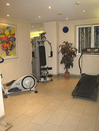 City Hotel Luxembourg : Fitness room