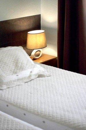 Hotel des Congres et Festivals: Guest room