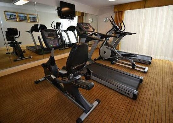 Charleston Grand Hotel: exercise room