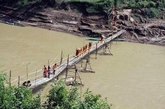 ماي دريم بوتيك ريزورت:                                     Bamboo bridge                                  