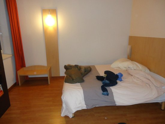 ibis Kiev City Center: bed