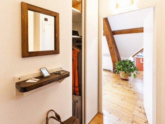 Privilodges : in-room wardrobe
