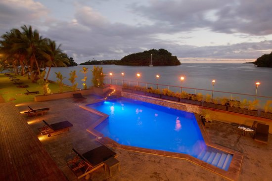 Novotel Suva Lami Bay: Lami Bay and pool at dusk