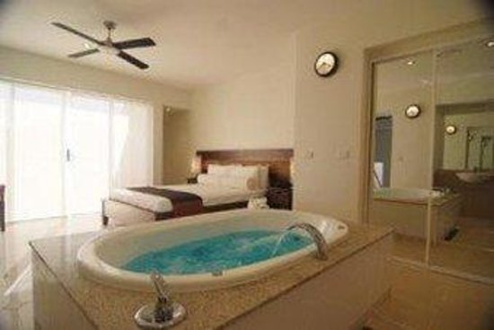 Blue Horizon Resort Apartments: Guest Room