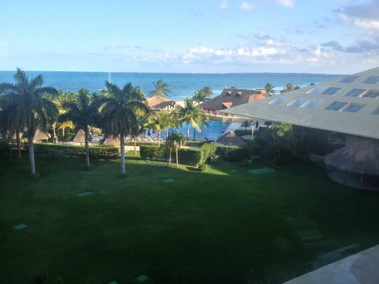 Presidente InterContinental Cancun Resort:                   View from my room - Ocean View
