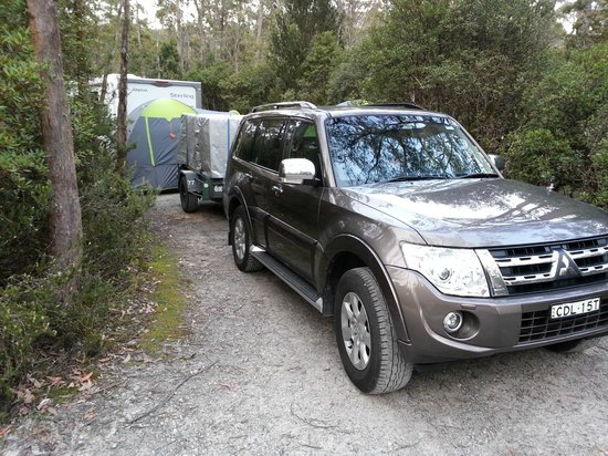 Discovery Parks - Cradle Mountain:                   Front view