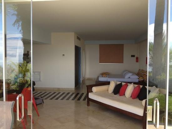 La Mariposa Hotel:                   inside