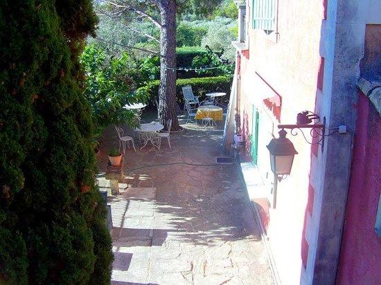 La Ripaille Hotel :                   Вид из номера