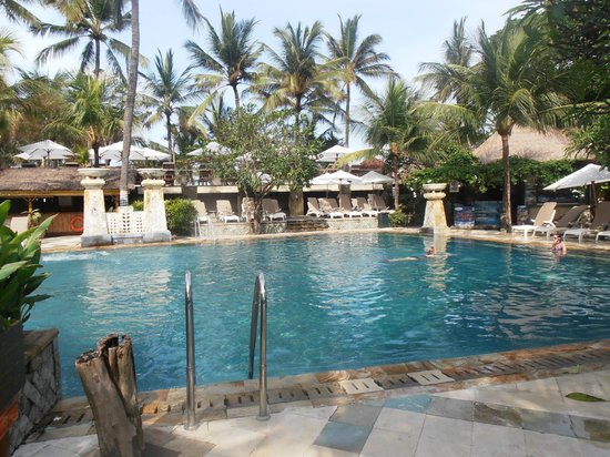 Legian Beach Hotel:                   Main pool