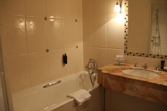 Hotel Brighton - Esprit de France: bathroom executive room