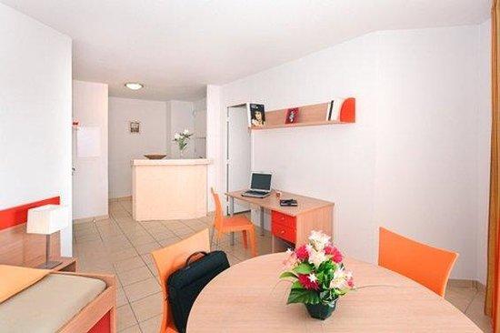 Appart'City Aix en Provence - La Duranne: Park&Suites Confort Aix La Duranne - 1-bedroom Apartment
