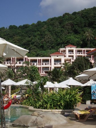 Centara Grand Beach Resort Phuket:                   hotel