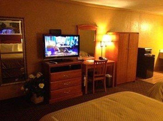 Virginia Inn: Standard Room