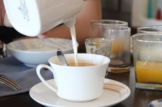 Shangri-La's Mactan Resort & Spa:                   good ol cup of coffee