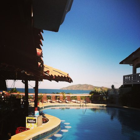 BEST WESTERN Tamarindo Vista Villas:                   Pool and view