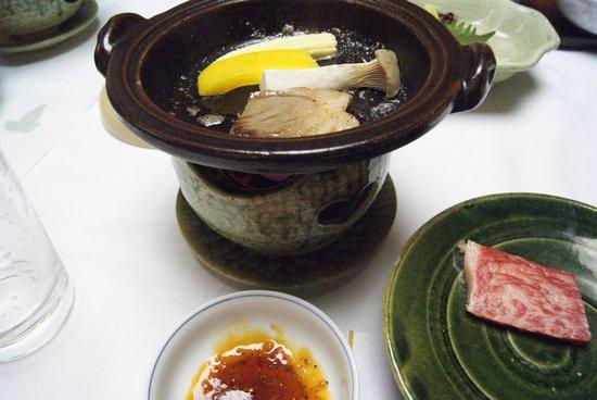 Taishoya:                   夕食の一部ですⅡ(嬉しいお部屋だし)