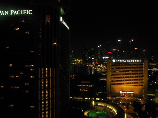 Conrad Centennial Singapore:                   Night time view from room