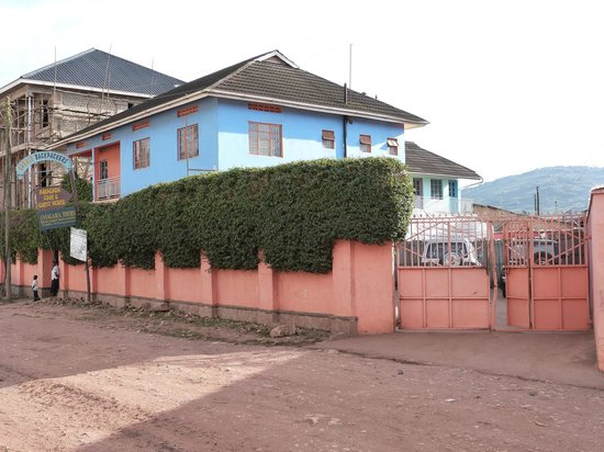 Kabale Back Packers: outside view