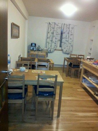 Wandering Praha:                   Dining room