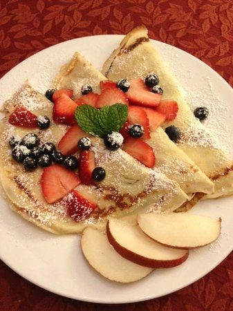Chelsea Station: Crepe with fruit