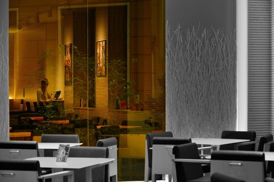 BEST WESTERN City Hotel: Lounge Bar