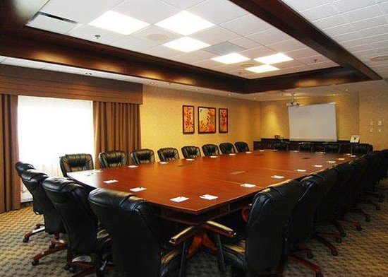Quality Inn & Suites Val d'Or : meeting room