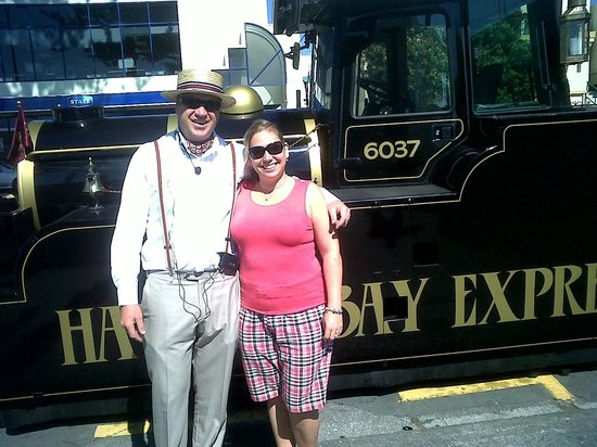 Hawkes Bay Express:                   Me with Will Van Asch - Napier's newest tourist attraction