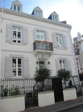 Maison Garnier :                   Fachada edificio