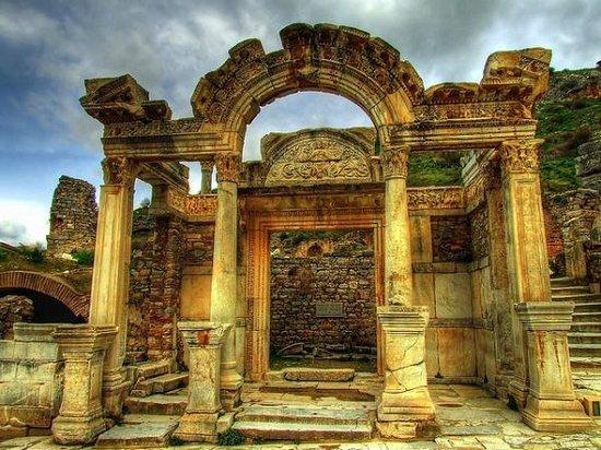 Ephesus Plus Tours Izmir / Private Day Tours