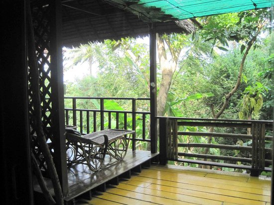 Charm Churee Villa:                   Balcony of the room for our additional night