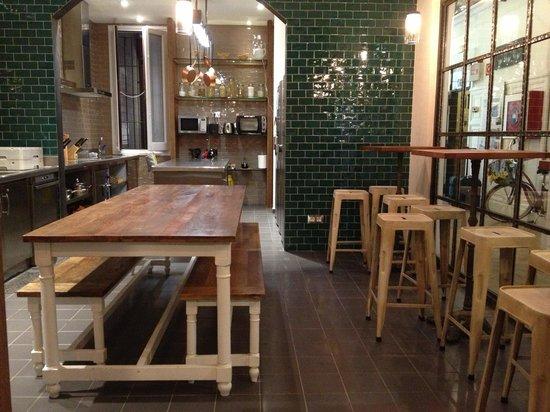Casa Gracia Barcelona Hostel:                   Cocina