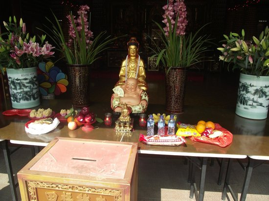Ten Thousand Buddhas Monastery (Man Fat Sze):                   Inside Budas