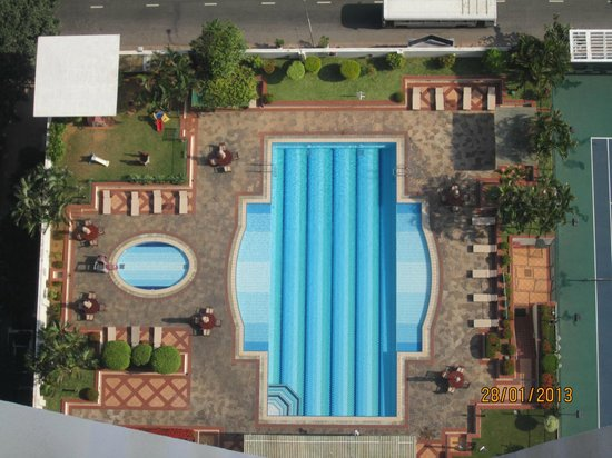 Hilton Colombo Residence:                   View of the pool from our balcony on 33rd floor