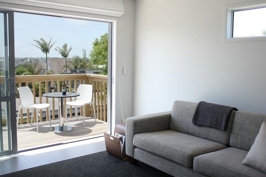 Kohi Beach Bed and Breakfast: Seaview Apartment: View From Lounge