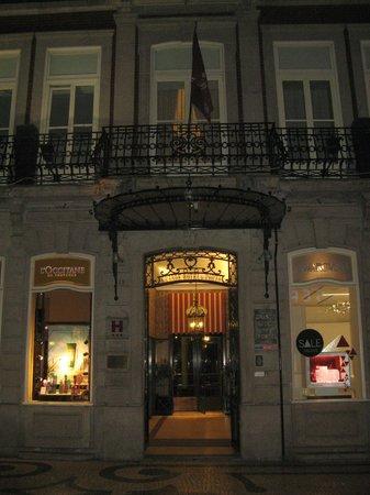 Grande Hotel Do Porto:                   Вход в отель