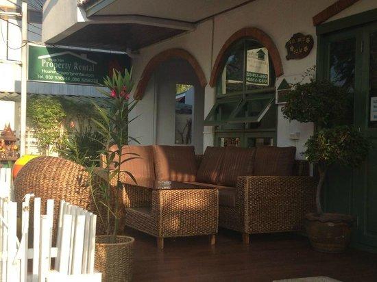 Baan Na Takiab:                   New lounge