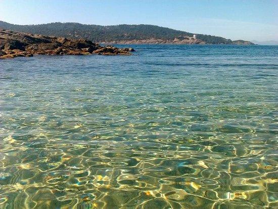Le Youkali: Transparence depuis la plage...