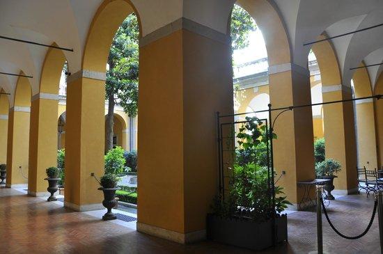 Palazzo Cardinal Cesi:                   otel