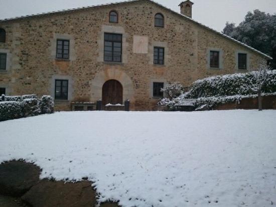 Masferran:                   preciosa la masia nevada, no tuvimos la suerte de verlo es una foto de un marc