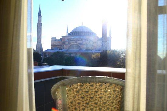 And Otel:                   Вид из окна