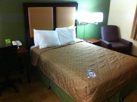 Extended Stay America - Fort Lauderdale - Deerfield Beach :                   Bed