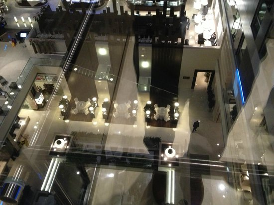 Choices Restaurant : View from the lift to the lobby